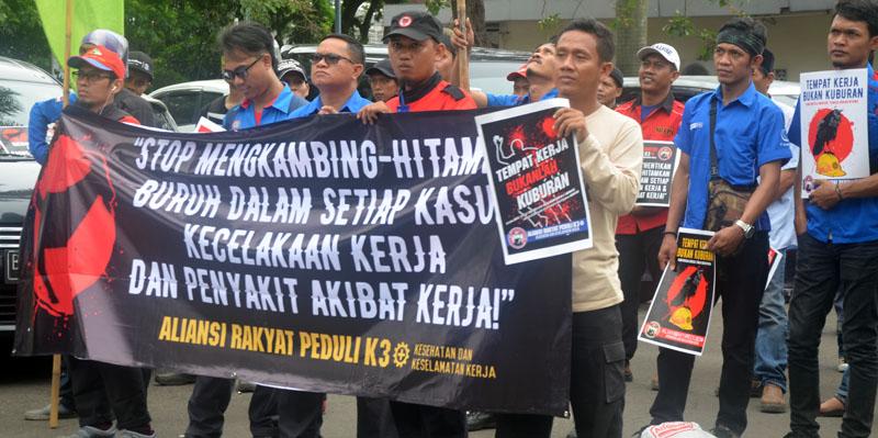 aksi aliansi Rakyat Peduli K3