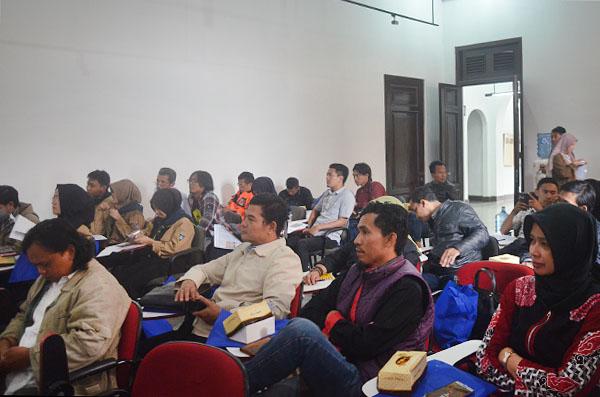 Seminar Bandung Sehat tanpa Asbes