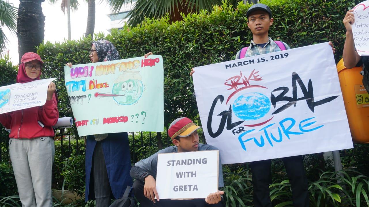 Pelajar Jakarta Lakukan Aksi Cegah Perubahan Iklim